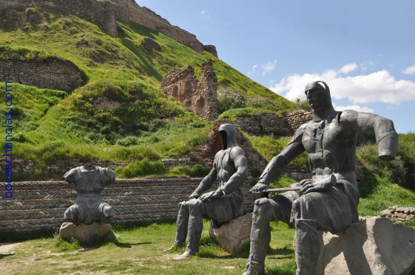 Fortaleza de Gori - Monumento de Los Defensores de la Fortaleza